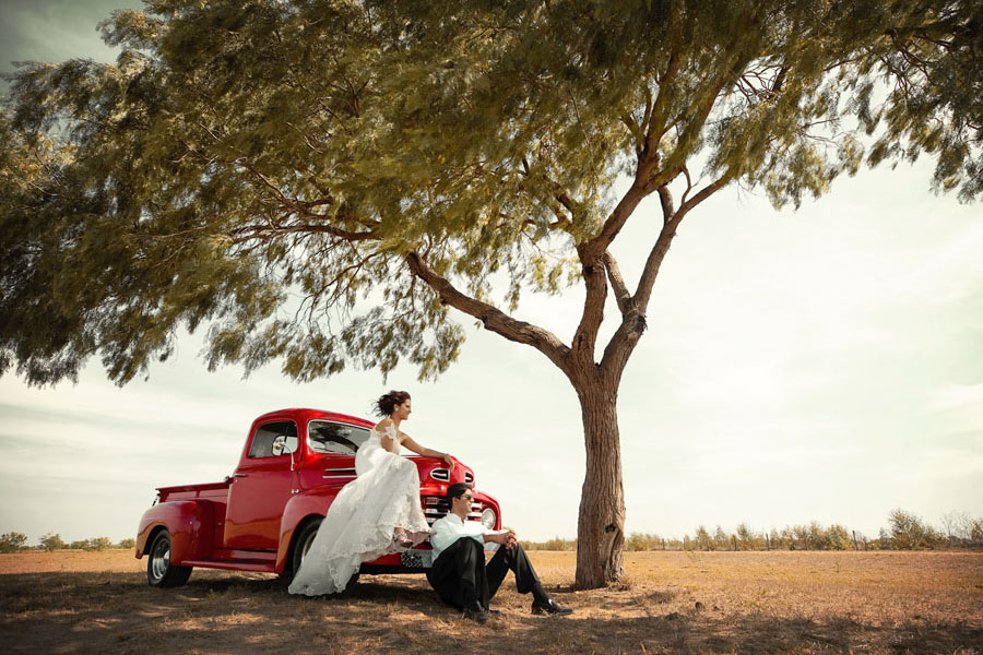 Bridal Photo Shoot Vintage Red Truck